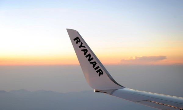 Ryanair sees no problems after emergency landings